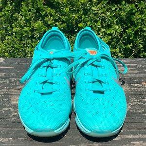 Women's Nike Zoom Fit Agility Sneakers - US 7.5